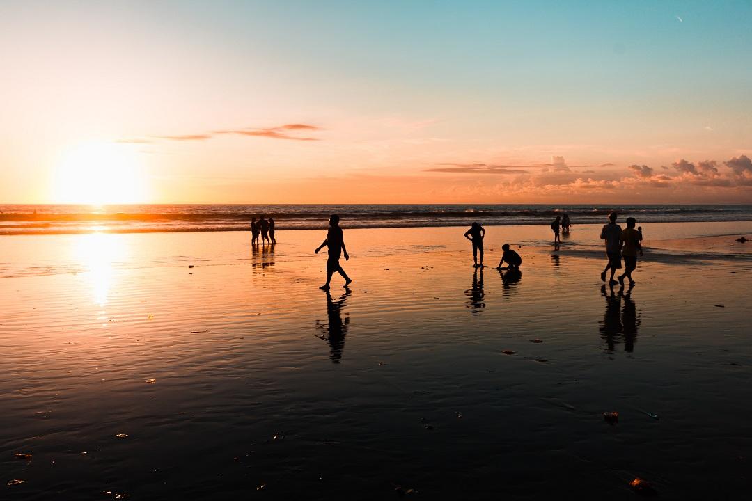 Informasi pantai Kuta Bali Sunset Bagus - Dewata ID