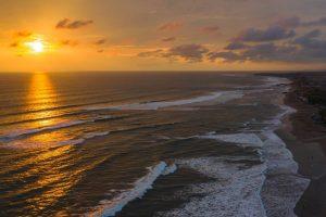 Foto Sunset Pantai Berawa Bali - Dewata ID