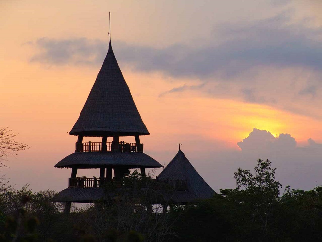Bali Tower Bistro Singaraja Bali - Dewata ID