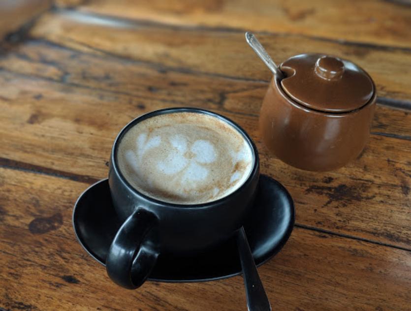 Kopi Latte Dragonfly Cafe Ubud Harga Menu - Dewata ID