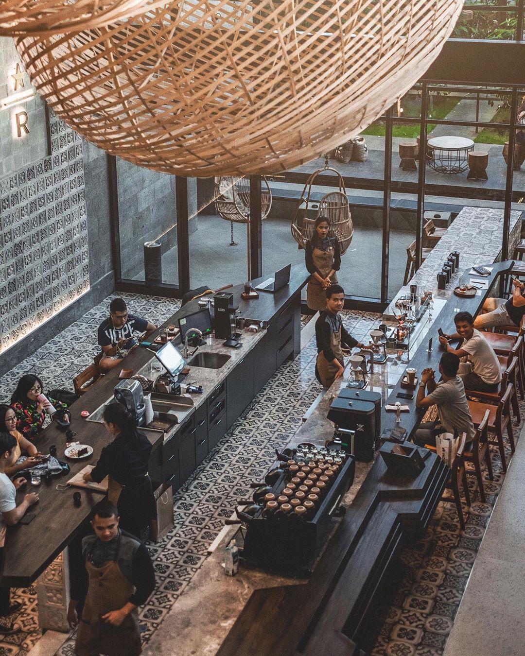 Lokasi Dekorasi Starbucks Reserve Dewata Bali Indonesia - Dewata ID