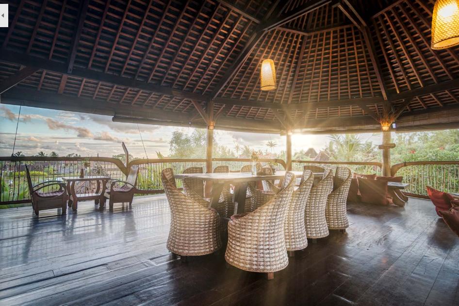 Suasana Dragonfly Village Cafe Ubud Bali - Dewata ID