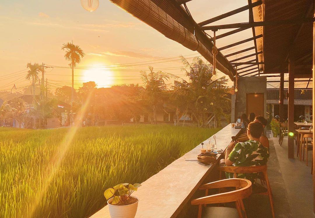 Lokasi dan Suasana Stock Coffee Umalas Bali