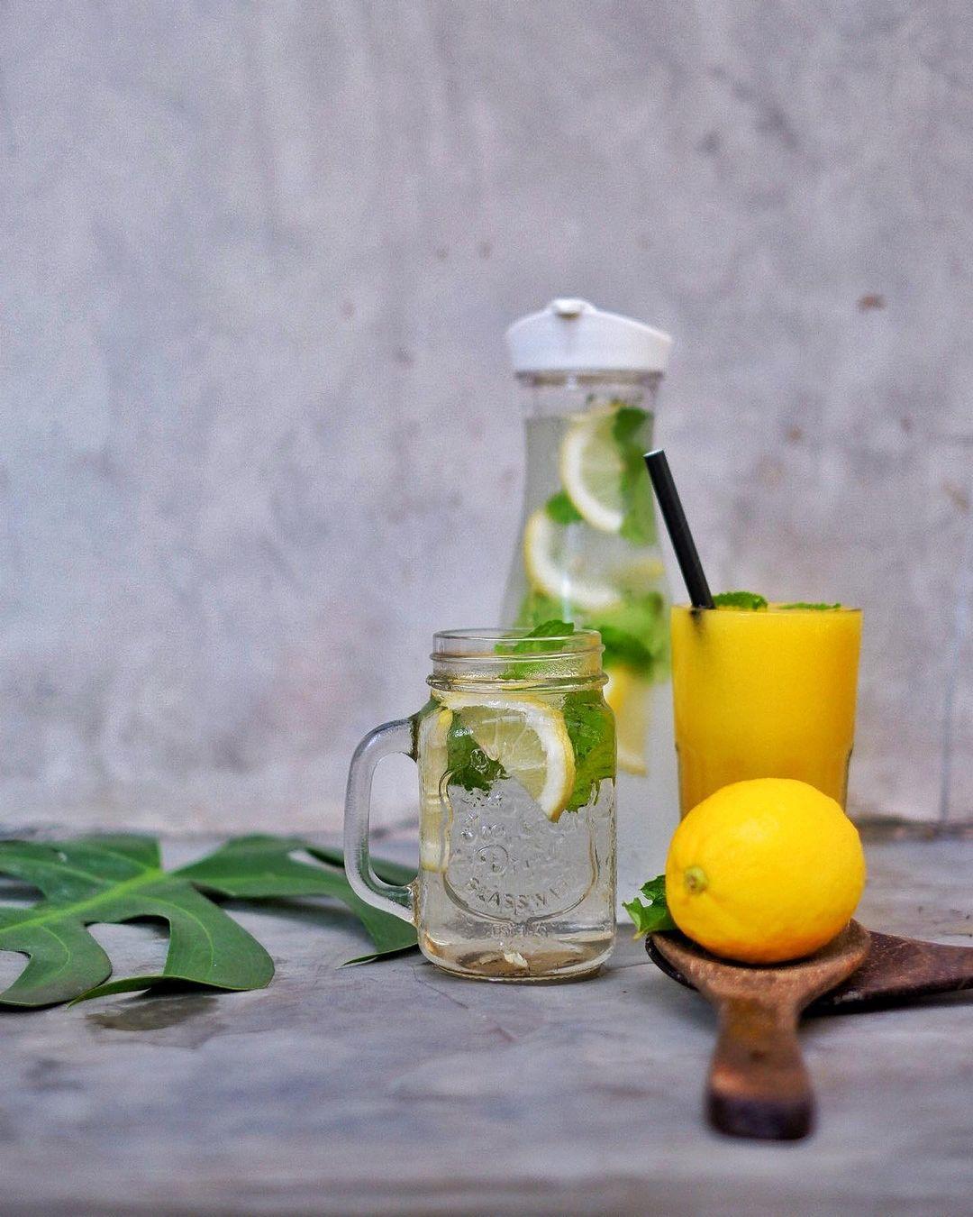 Infused Water n Orange Juice Bron Cafe Renon