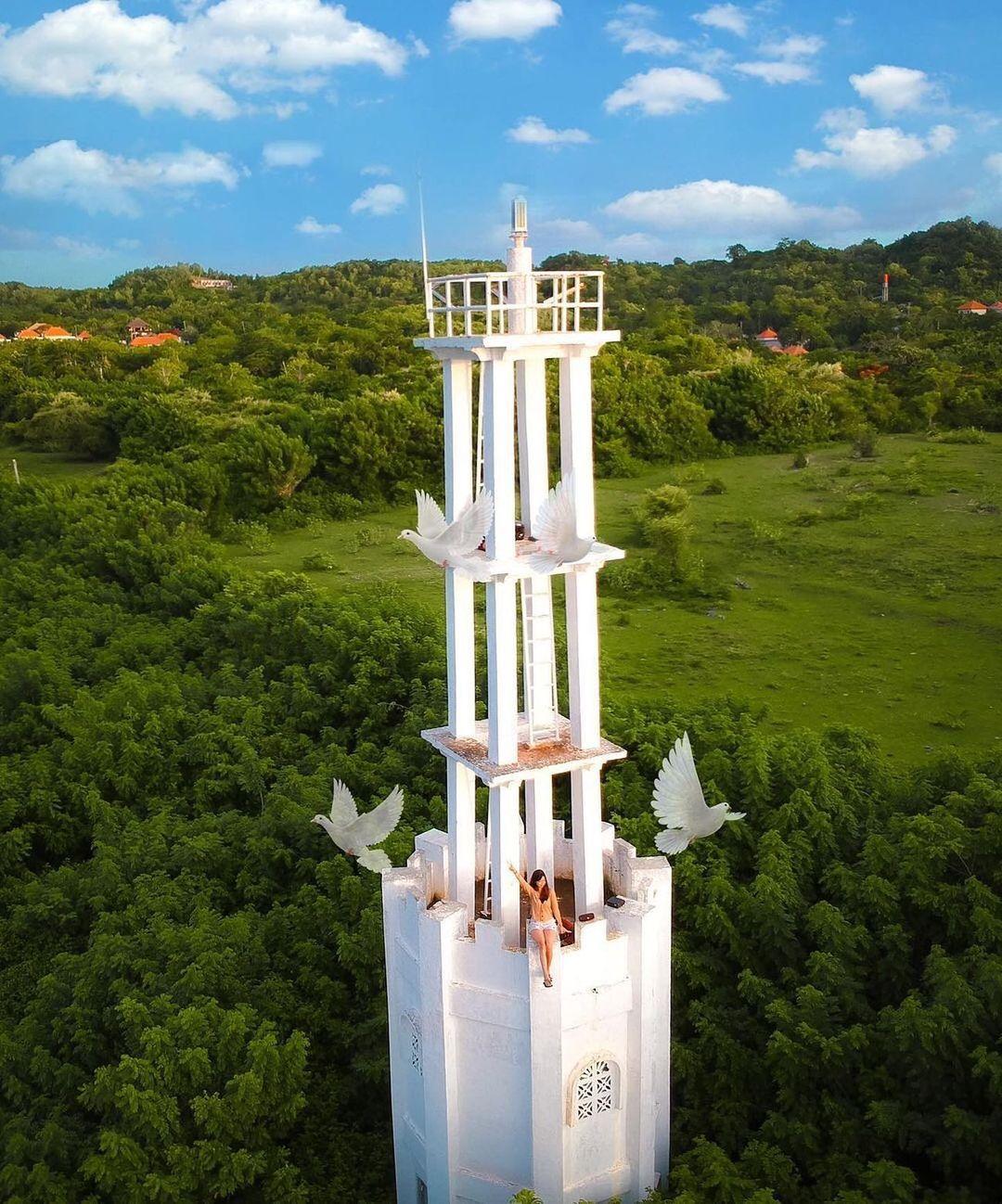 Menara Batu Jaran Hill Uluwatu
